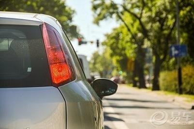离开驾校后应该立刻丢掉的7个习惯,不然上路很危险!