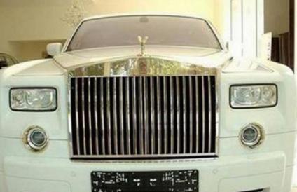 劳斯莱斯幻影防弹车,价值5510万,而这辆劳斯莱斯老爷车不仅防弹