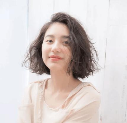 时尚又减龄的2018女生日系流行发型短发!图片
