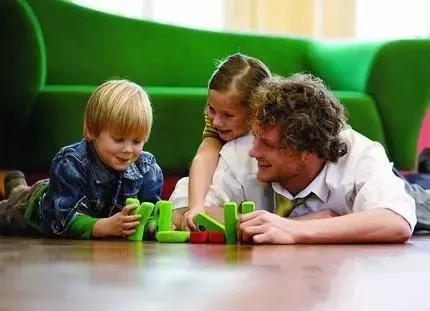 作为孩子的第一任老师,怎么当个好爸爸