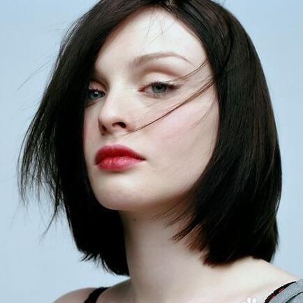 今天就为中短发女生们推荐了几款中短发直发发型,简单清新更灵动,赶紧图片