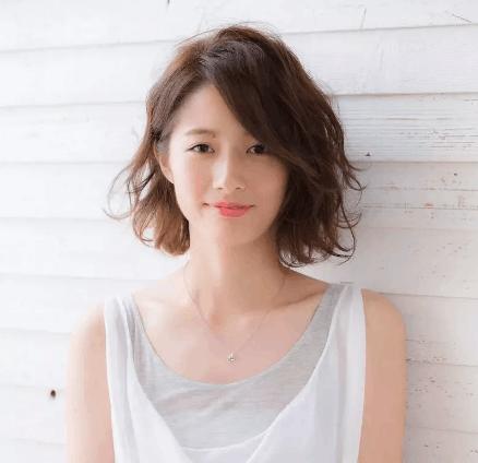 时尚又减龄的2018女生日系流行发型短发!