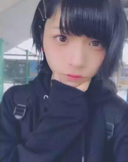 哥哥美(sao)起来就没女生男生了小事儿是一名日本的高中生今年素高中生自拍颜图片