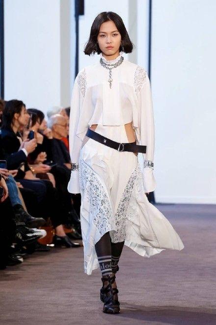 中国新生代模特赵佳丽 本季时装周的一匹黑马