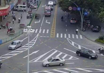 开车7年才搞清楚,车子原来要这样转弯!