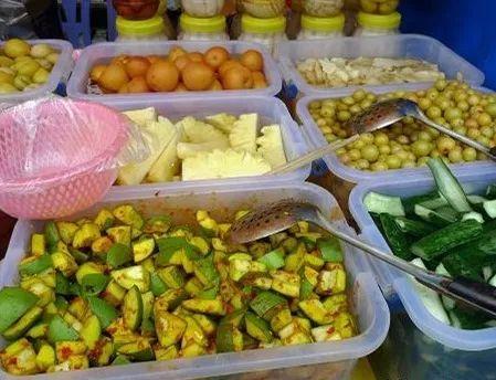 靖西民俗文化旅游节之壮族美食一条街中山公园的美食附近图片