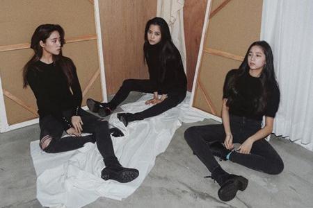 欧阳娜娜一家三姐妹都是大长腿 连13岁的欧阳娣娣都164cm图片