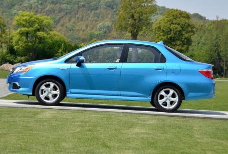 比捷达更皮实,比飞度更厚道,售价5万无人问,本田最尴尬的车!