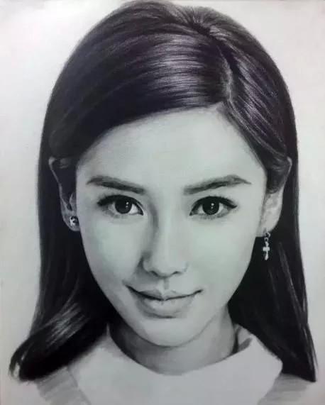 明星素描照,赵丽颖最美,杨颖宛如天仙,其中一位认出来