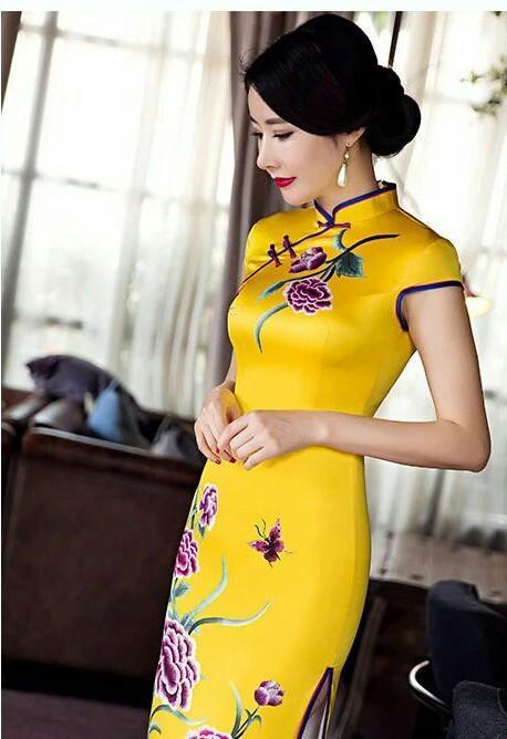 世上有很多穿旗袍的女人, 却只有一个周婷!