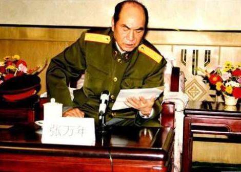 对越反击战, 张万年在越军阵地看到什么? 气的大骂