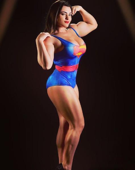 澳门永利:美国女超人杰西_一身健美肌肉