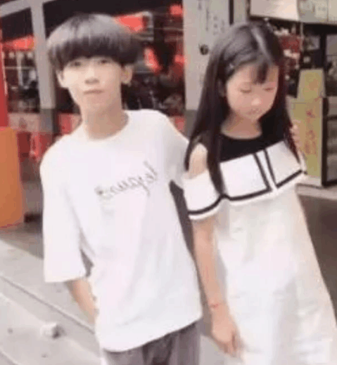 10岁孩子被王乐乐杨清柠带跑偏, 从发型到行为都模仿!图片