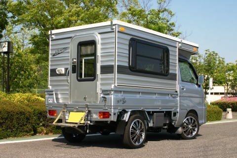 五菱神车也能玩房车,日本微型货车的背驮房车图片