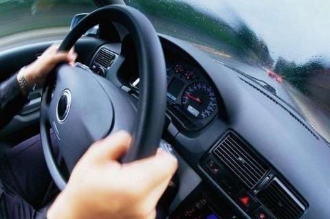 车跑高速时方向盘抖动怎么办,专业技师教你排除