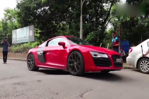 印度土豪开超跑出街,看看车主是怎么过减速带的