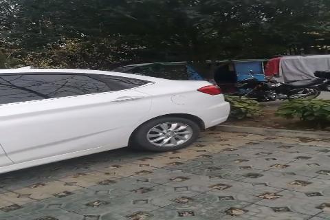 视频:整体都还不错的白色的悦翔V7