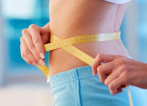 """为何人一胖就先胖肚子?教你如何甩掉赘肉,重新做回""""小腰精"""""""