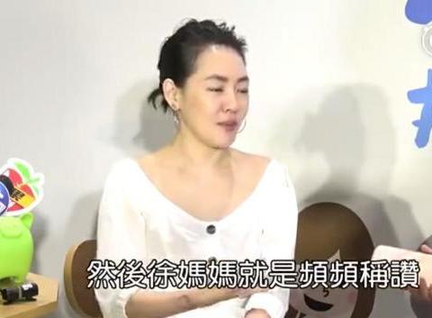 嫁给一个娃娃脸的老公有多苦恼,看看袁咏仪是怎么做的