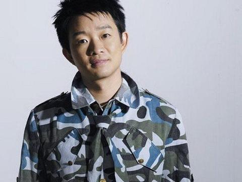 曾是红过蔡国庆的军营民谣歌手,消失了十年,20年后再入伍当兵
