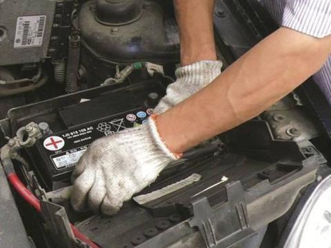 二十年的修车老师傅教你3招,轻松保养汽车电池,多使用3年没问