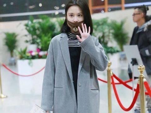 张慧雯低调现身,一身冬天正确的打扮,网友:戴的口罩暴露了性格