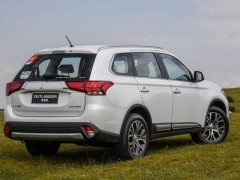 三菱欧蓝德新款上市,性能不输锐界,2.4L动力配四驱,长4米7...