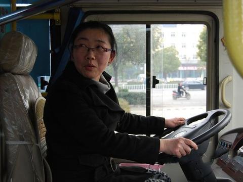 司机最讨厌副驾驶上的这5种人,最后一种只想把他踹下车!