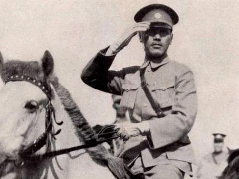 道士为蒋介石算命,说了8个字,50年后全部应验