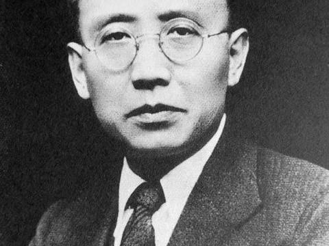 郭沫若为什么被称为无耻文人, 他给中国造成了多大的灾难