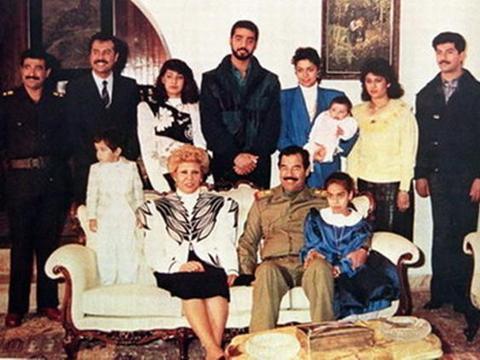 萨达姆在狱中的一张照片曝光,伊拉克人民为何都愤怒了