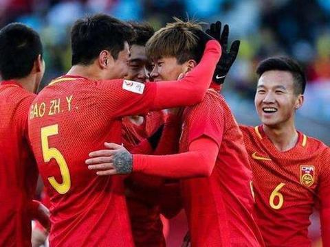 中国足球今夜扬眉吐气!国际足联巧妙回应两国言论,亚足联终妥协