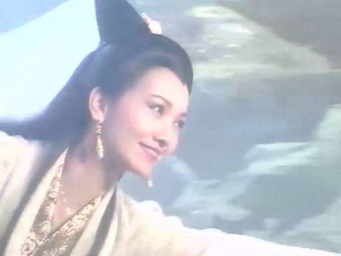 古装美人空中舞:杨幂仙气,赵丽