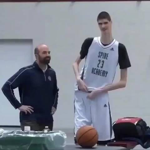 高是高,可是不是太瘦了 ?