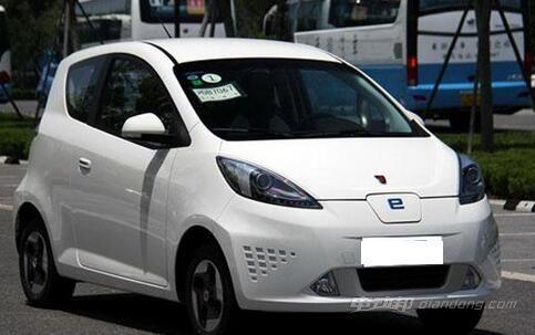 荣威e50纯电动汽车 续航里程达到220公里
