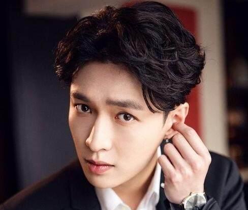 2019粤语男歌曲排行榜_2007全球华语歌曲排行榜