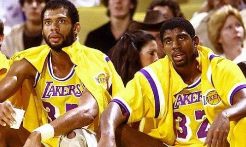 NBA巅峰期超15年的5大球员,科比前3詹皇高居第2个个都是老妖精