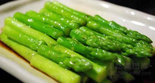 老中医学问:多吃1种蔬菜和泡脚,血管干净一通到底,身体不遭罪