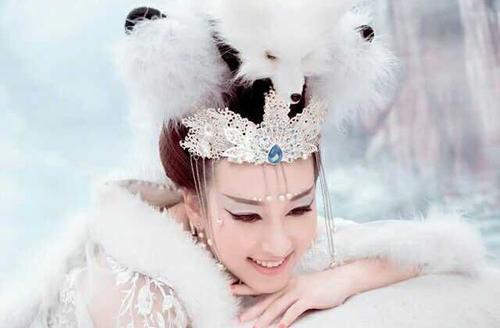 夏朝文章美女纯狐,非常值得看的一篇孩子虐美女蛇蝎图片