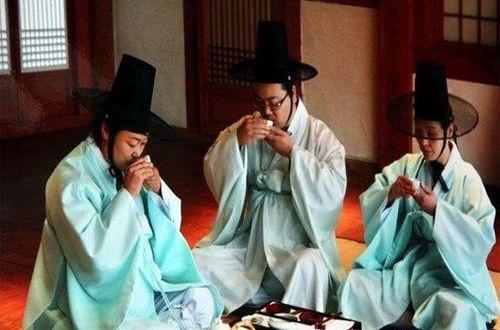 韩国酒礼习俗,在韩国喝酒的注意事项