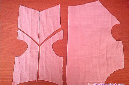 宠物猫狗衣服制作过程及裁剪图,快拿起针线手工缝制吧!