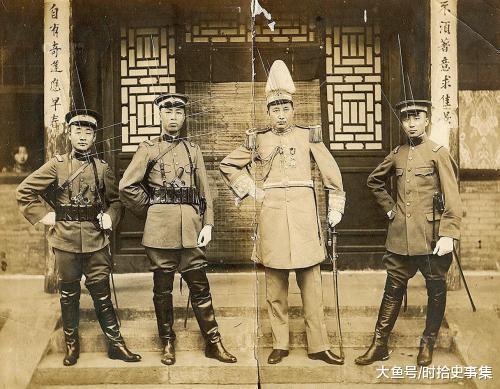 在民国时期, 加入青帮的主要有这四类人, 蒋介石就是青帮一员