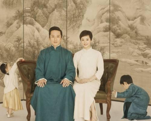 明星全家福:吴尊全家可出道,邓超全家最厉害,只有她家图片