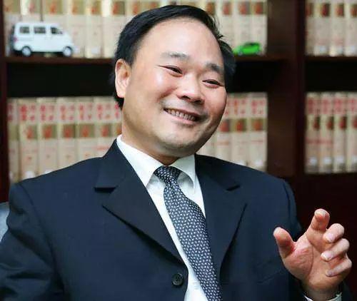 吉利汽车CEO李书福打拼多年终有近日, 名下私人座驾不值10万元