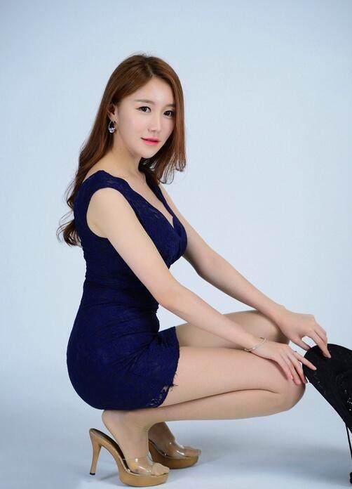 韩国美女模特丝袜高跟鞋秀美腿