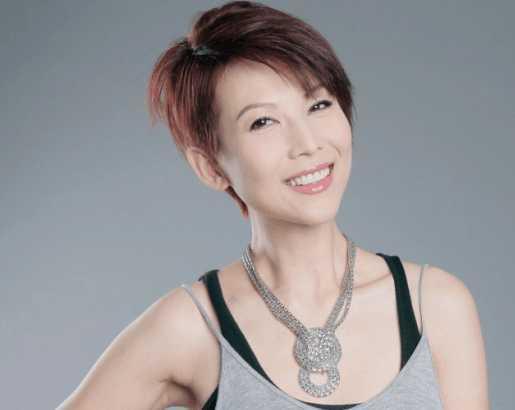 香港众多女明星中一直以短发示人的要数蔡少芬了.图片