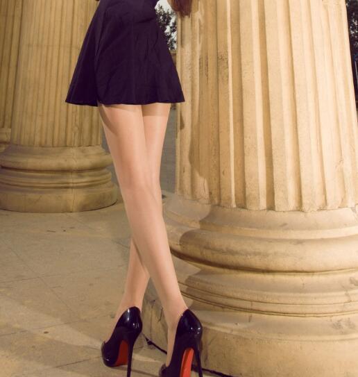 美女时尚高跟鞋美女图片的内衣图片