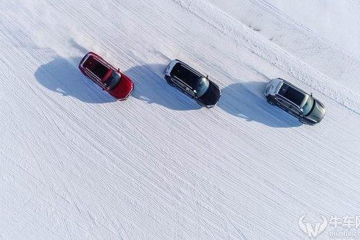 在冰上开到80迈飙车,没什么大惊小怪的,这台车可能可以做到