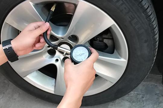 6,注意轮胎气压图片
