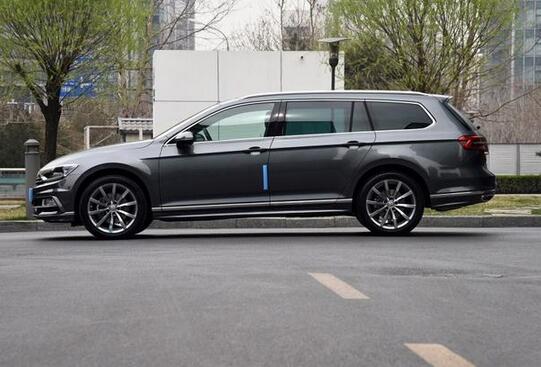 大众这款车1.4T油耗3毛,降价30万,全家旅行就靠它!